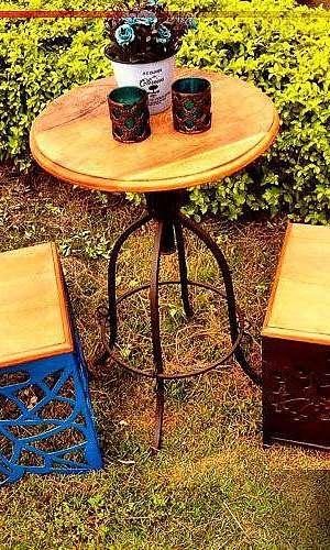Bistro de madeira rústica
