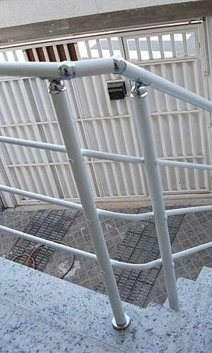 Corrimão para escada externa